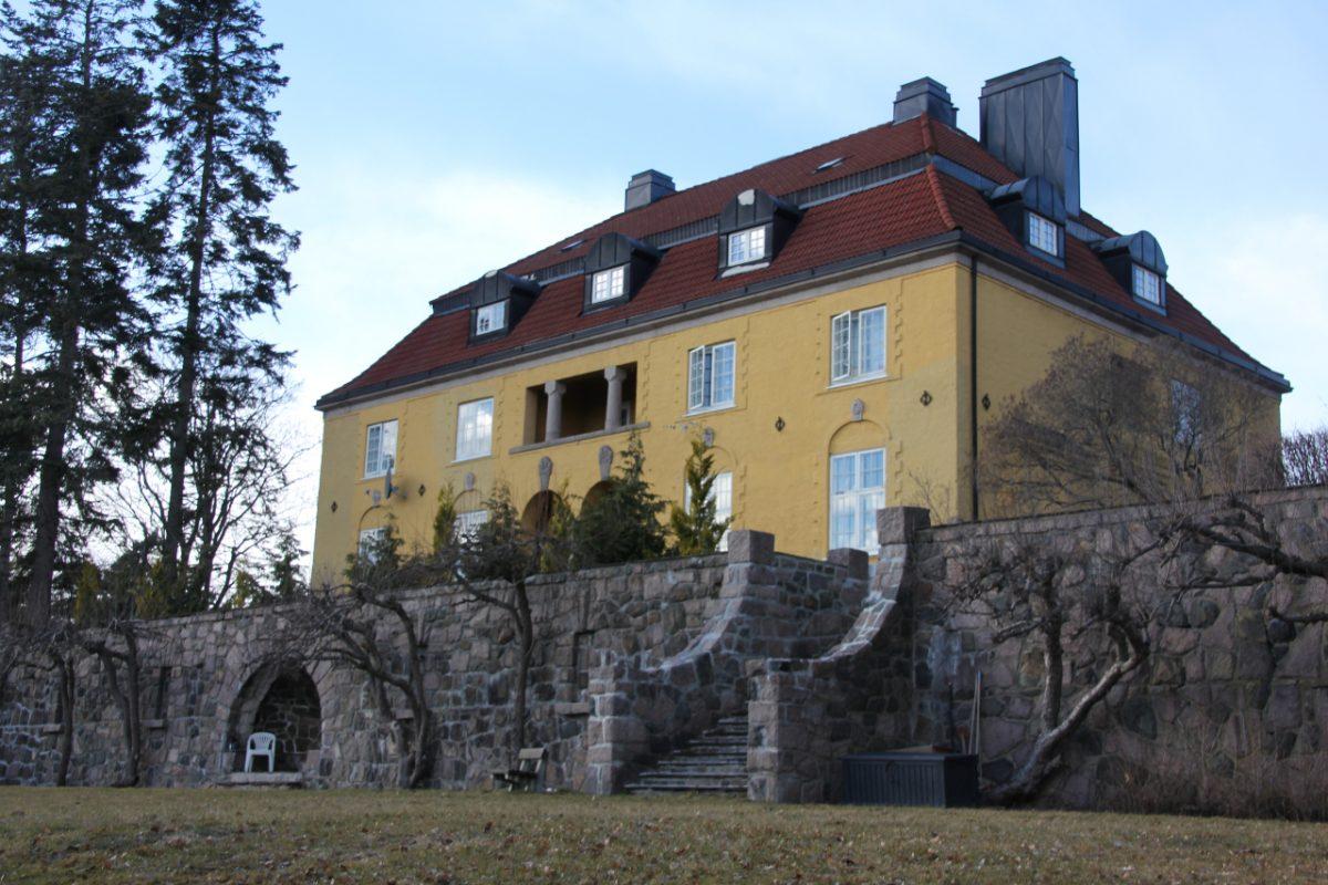 Fredriksborg sett fra haven